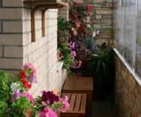 Дизайн в стиле лофт узкого балкона