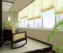 Рулонные шторы в интерьере балкона