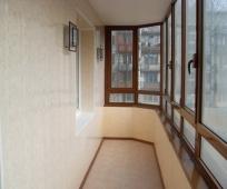 Внутренняя обшивка длинного балкона