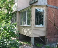 Балкон на опорных стойках